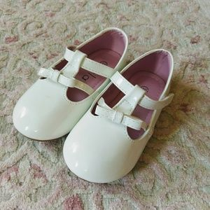 Other - 🌷PATENT WHITE SHOES🌷
